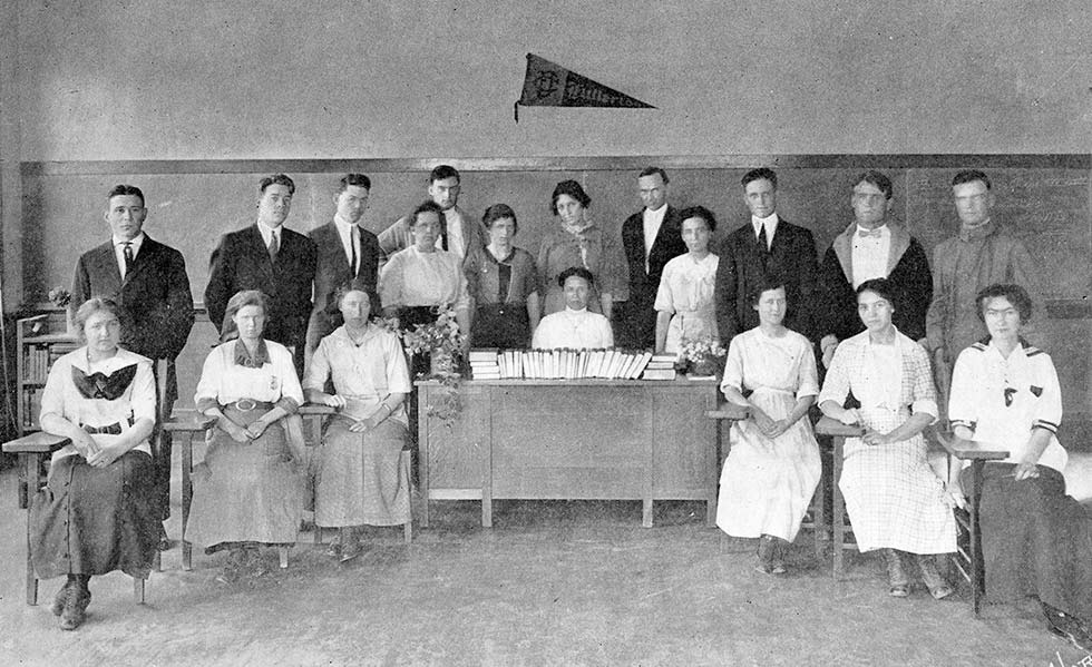 10 members of the first class at Fullerton College went on to graduate in 1915.